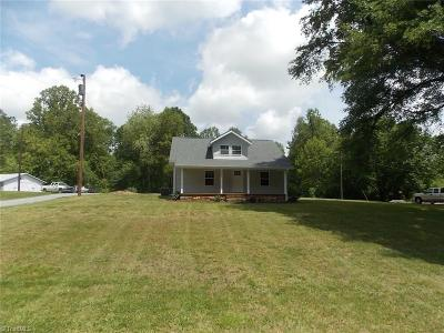 East Bend Single Family Home For Sale: 4224 Forbush Road
