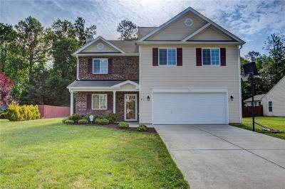 Whitsett Single Family Home For Sale: 411 Walnut Crossing Drive