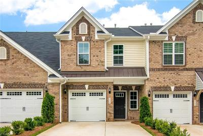 High Point Condo/Townhouse For Sale: 3539 Timbergate Lane