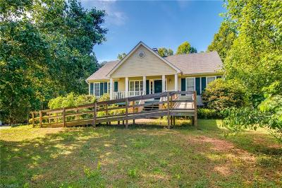 Belews Creek Single Family Home For Sale: 6832 Salem Quarter Road