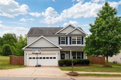 Winston Salem Single Family Home For Sale: 6161 Glen Way Drive