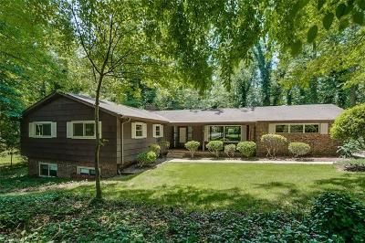 Jamestown Single Family Home For Sale: 213 Buttercup Drive