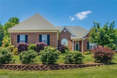 Kernersville Single Family Home For Sale: 1200 Davenport Court