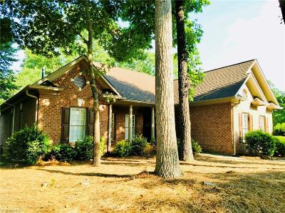 Lewisville Single Family Home For Sale: 1015 Arbor Run Drive