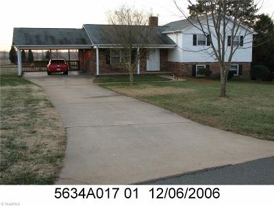 Winston Salem Single Family Home For Auction: 4884 Sedgeview Lane