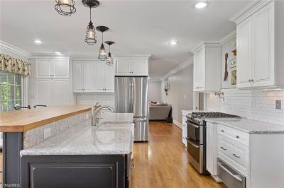 Irving Park Single Family Home For Sale: 107 Willoughby Boulevard