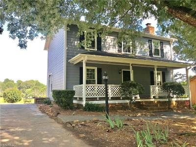 Tobaccoville Single Family Home For Sale: 7501 Greenmeadow Drive