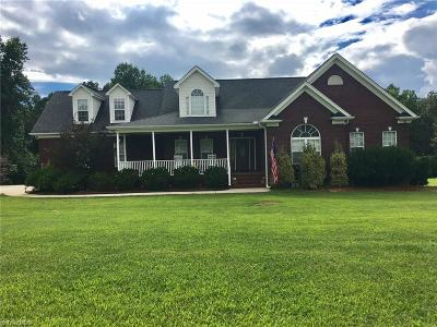 Randleman Single Family Home For Sale: 1893 Acorn Drive