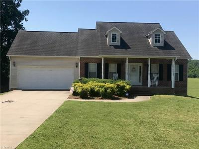 Davidson County Single Family Home For Sale: 560 Underwood Drive