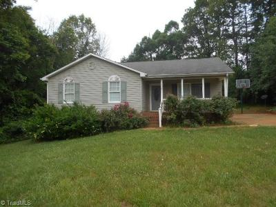 Rockingham County Single Family Home For Sale: 125 Deer Stand Drive