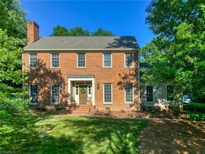 Guilford County Single Family Home For Sale: 1704 Heathgate Point