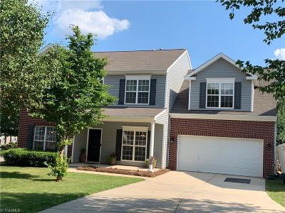 Winston Salem Single Family Home For Sale: 4146 Grassy Knoll Circle