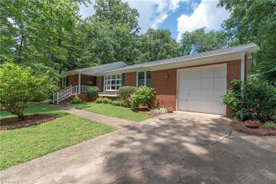 Clemmons Single Family Home For Sale: 6815 Greenbrook Drive