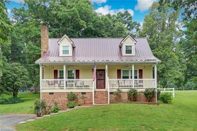 Winston Salem Single Family Home For Sale: 4820 Westmoreland Drive