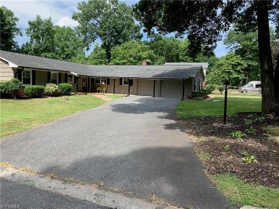 Winston Salem Single Family Home For Sale: 2960 Saint Claire Road
