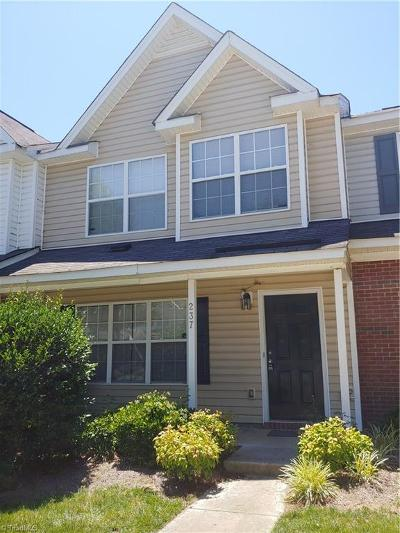 Greensboro Condo/Townhouse For Sale: 237 Bridford Downs Drive