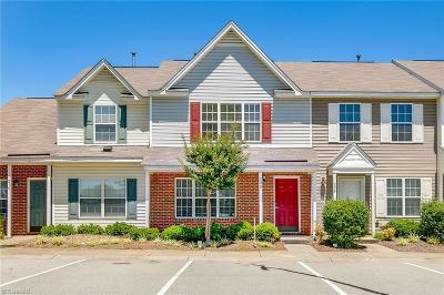 Greensboro Condo/Townhouse For Sale: 208 Bridford Downs Drive