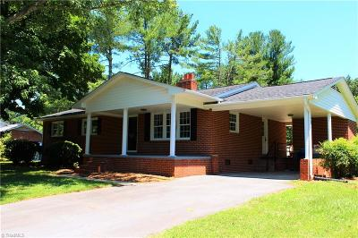 Winston Salem Single Family Home For Sale: 5545 Gyddie Drive