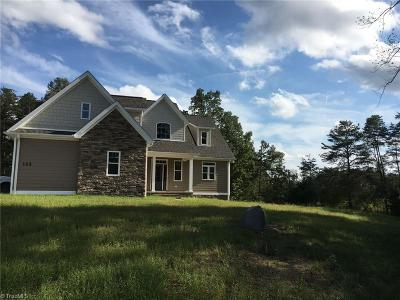 Pinnacle NC Single Family Home For Sale: $398,500