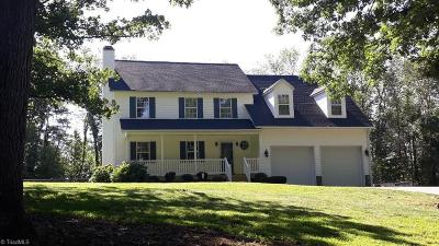 Davidson County Single Family Home For Sale: 539 Cody Drive