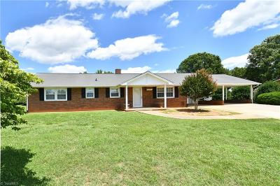 Winston Salem Single Family Home For Sale: 1602 Hickory Tree Road