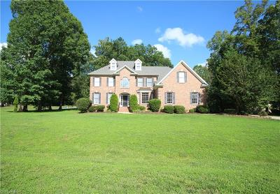 Guilford County Single Family Home For Sale: 401 Pebble Ridge Court