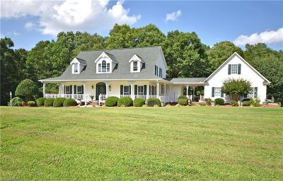 Mocksville Single Family Home For Sale: 203 Long Meadow Road