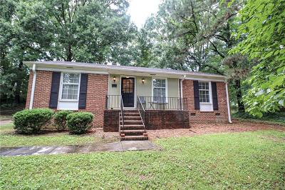 Winston Salem Single Family Home For Sale: 569 Foxcroft Drive