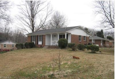 Guilford County Single Family Home For Sale: 2309 Bonaire Lane