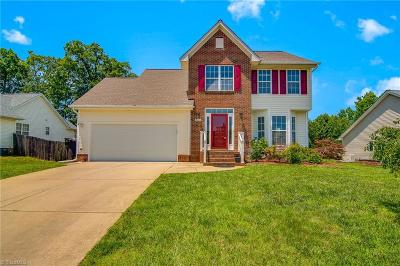 High Point Single Family Home For Sale: 2933 Firethorn Drive
