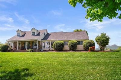 Single Family Home For Sale: 1207 Grassy Creek Road