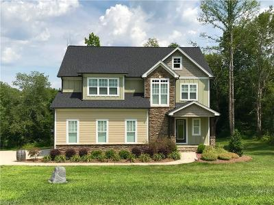 Kernersville Single Family Home For Sale: 7502 Bentridge Forest Drive