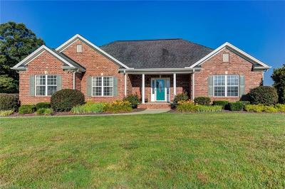Randleman Single Family Home For Sale: 7104 Steeple View Court