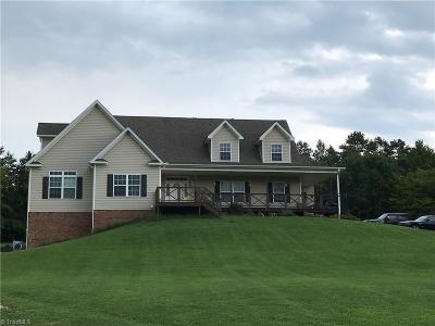 Clemmons Single Family Home For Sale: 388 Scott Farm Road