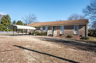 Eden Single Family Home For Sale: 260 Country Club Drive