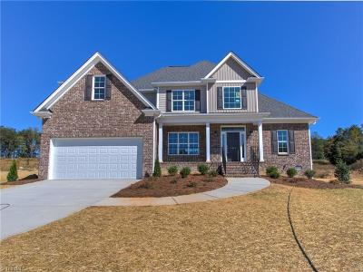 Kernersville Single Family Home For Sale: 7614 Sir William Drive