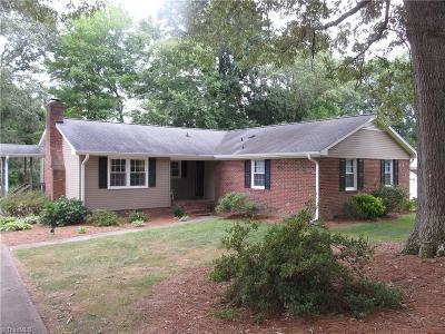 Lewisville Single Family Home For Sale: 165 Summerglen Drive