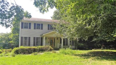 Kernersville Single Family Home For Sale: 4758 Kernersville Road