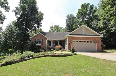 Forsyth County Single Family Home For Sale: 657 Asheby Woods Road