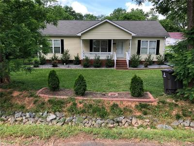 Winston Salem Single Family Home For Sale: 4920 Grove Avenue