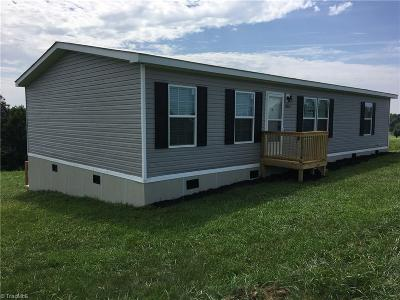 Yadkin County Manufactured Home For Sale: 3580 Round Hill Road