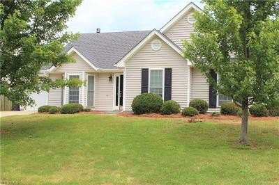 Kernersville Single Family Home For Sale: 105 Drawbridge Court