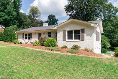 Greensboro Single Family Home For Sale: 2704 Northampton Drive