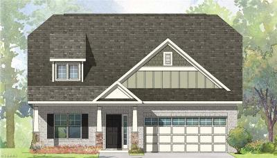 Winston Salem Single Family Home For Sale: 4932 Juniper Way