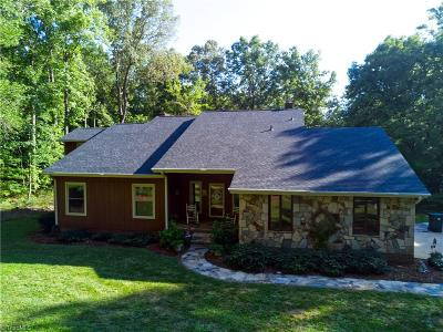 Single Family Home For Sale: 525 Old Hollow Road