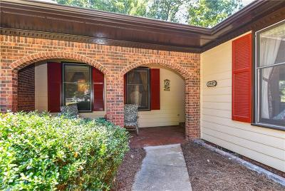 Greensboro Condo/Townhouse For Sale: 2347 Brandt Village