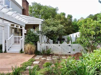 Kernersville Single Family Home For Sale: 2 Stafford Oaks Drive