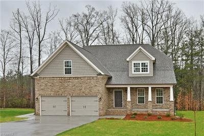 Clemmons Single Family Home For Sale: 426 Meadowfield Run