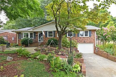 Winston Salem Single Family Home For Sale: 3433 Kinnamon Road