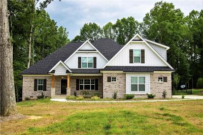 Advance Single Family Home For Sale: 107 Lost Farm Drive